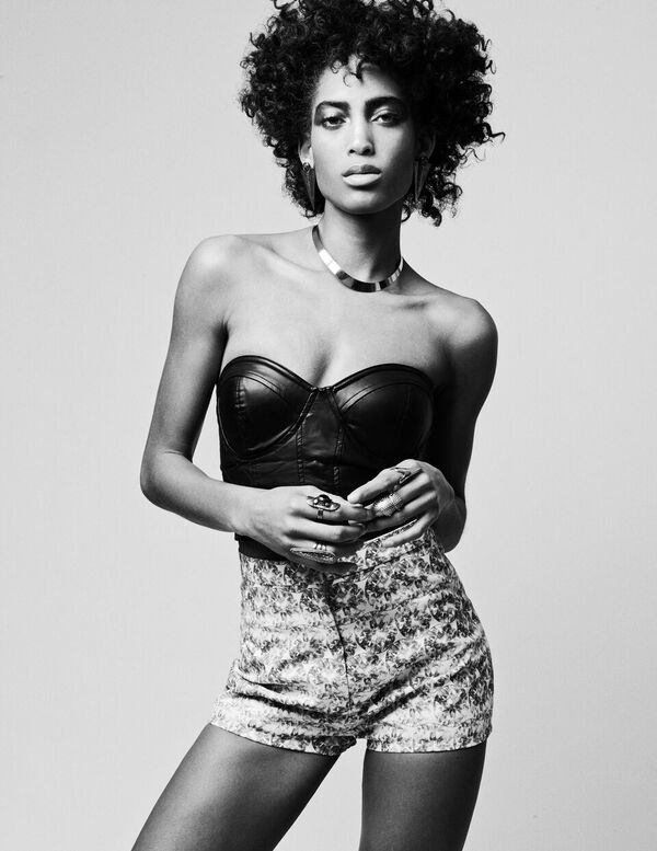 Bermuda Model Lily Lillian Lightbourn magazine Nov 2015 (1)