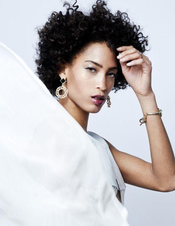 Bermuda Model Lily Lillian Lightbourn magazine Nov 2015 (10)