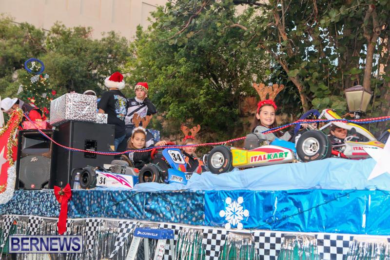 MarketPlace-Santa-Parade-Bermuda-November-29-2015-11