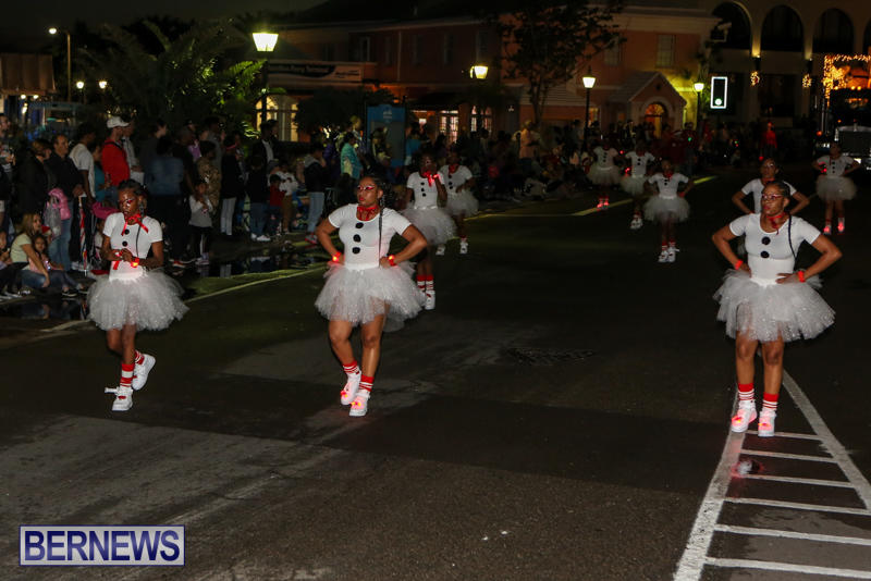 MarketPlace-Santa-Parade-Bermuda-November-29-2015-114
