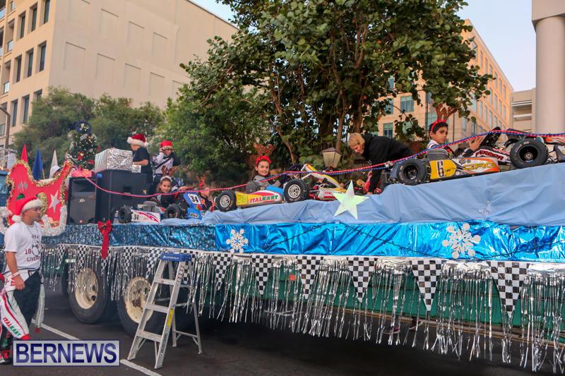 MarketPlace-Santa-Parade-Bermuda-November-29-2015-12