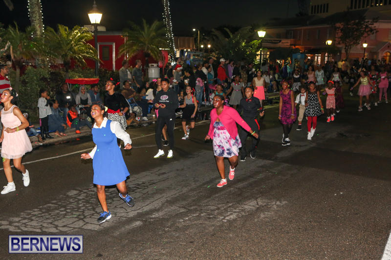 MarketPlace-Santa-Parade-Bermuda-November-29-2015-124