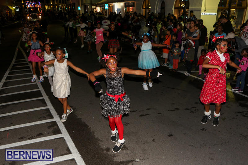 MarketPlace-Santa-Parade-Bermuda-November-29-2015-128