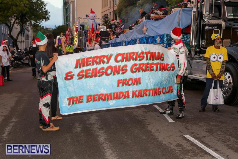 MarketPlace-Santa-Parade-Bermuda-November-29-2015-13