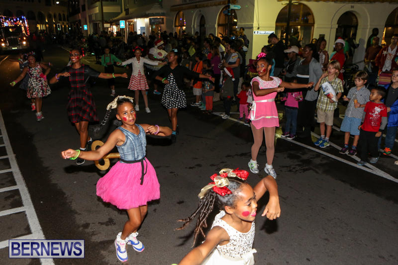 MarketPlace-Santa-Parade-Bermuda-November-29-2015-130