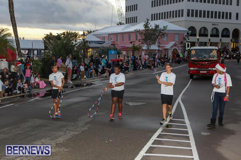 MarketPlace-Santa-Parade-Bermuda-November-29-2015-25