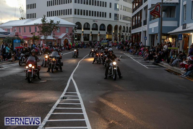 MarketPlace-Santa-Parade-Bermuda-November-29-2015-30