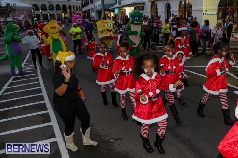 MarketPlace-Santa-Parade-Bermuda-November-29-2015-39