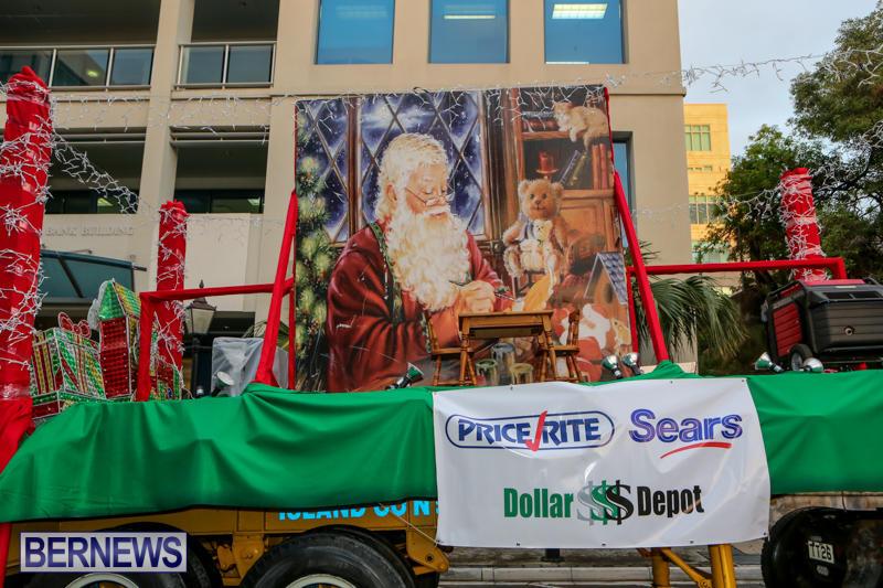 MarketPlace-Santa-Parade-Bermuda-November-29-2015-4