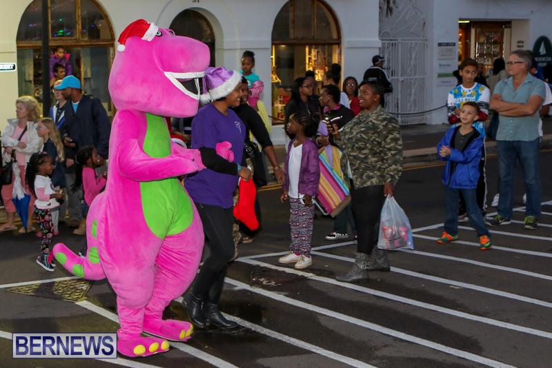 MarketPlace-Santa-Parade-Bermuda-November-29-2015-45