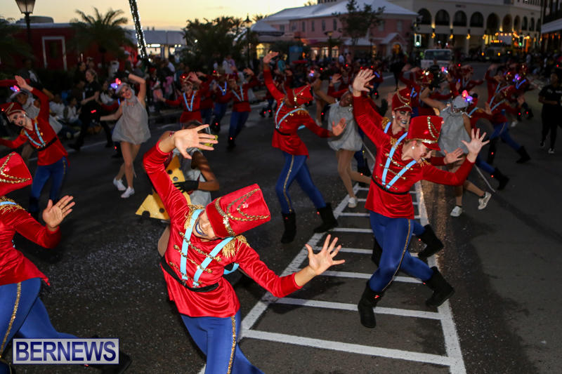 MarketPlace-Santa-Parade-Bermuda-November-29-2015-51