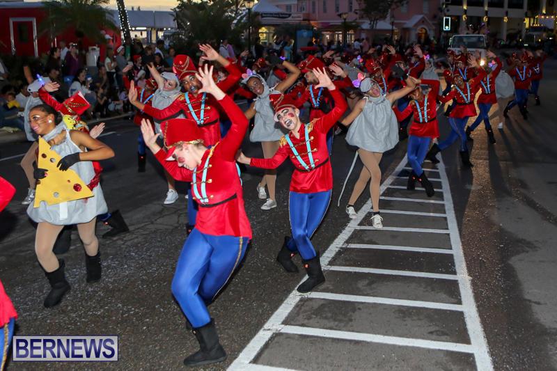 MarketPlace-Santa-Parade-Bermuda-November-29-2015-52