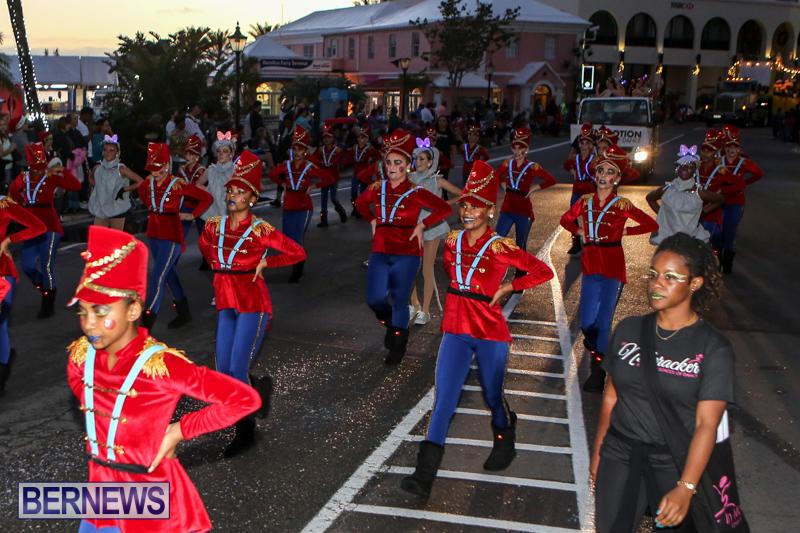 MarketPlace-Santa-Parade-Bermuda-November-29-2015-53