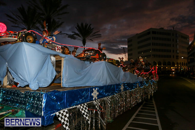 MarketPlace-Santa-Parade-Bermuda-November-29-2015-74