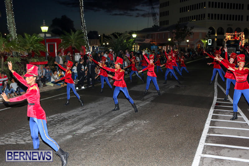 MarketPlace-Santa-Parade-Bermuda-November-29-2015-96
