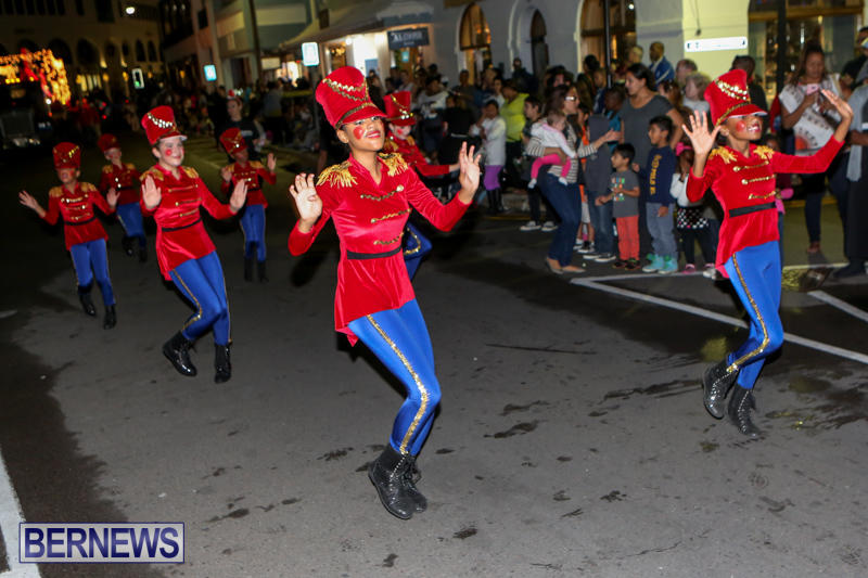 MarketPlace-Santa-Parade-Bermuda-November-29-2015-98