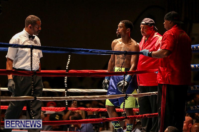 Nikki-Bascome-vs-Pilo-Reyes-Boxing-Match-Bermuda-November-8-2015-1
