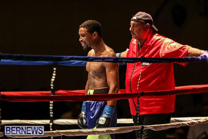 Nikki-Bascome-vs-Pilo-Reyes-Boxing-Match-Bermuda-November-8-2015-3