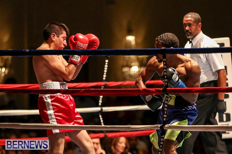 Nikki-Bascome-vs-Pilo-Reyes-Boxing-Match-Bermuda-November-8-2015-30