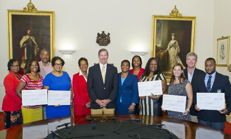 Premier's Cash Back Presentation - Bermuda 10 November 2015