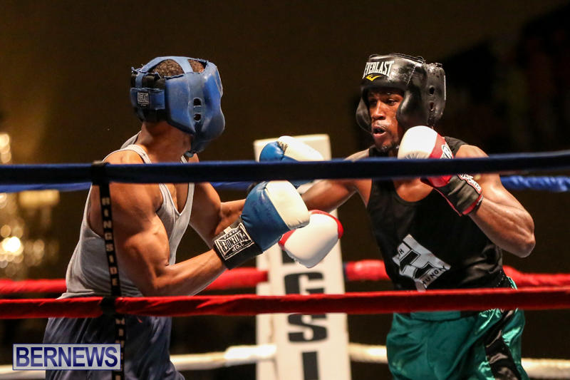 Tyler Christopher vs Kaya Simmons Boxing Bermuda, November 7 2015 (1)