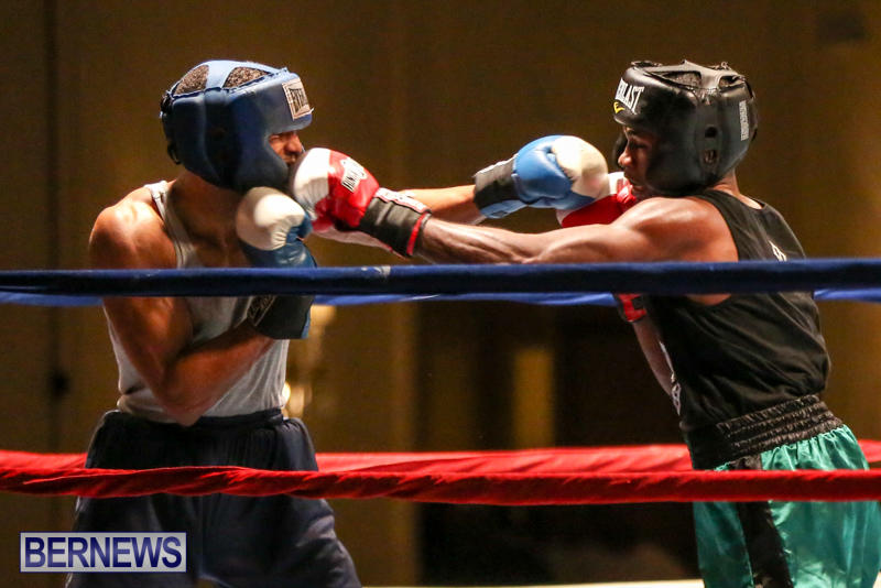Tyler Christopher vs Kaya Simmons Boxing Bermuda, November 7 2015 (11)
