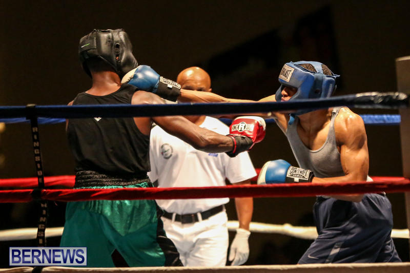 Tyler Christopher vs Kaya Simmons Boxing Bermuda, November 7 2015 (13)