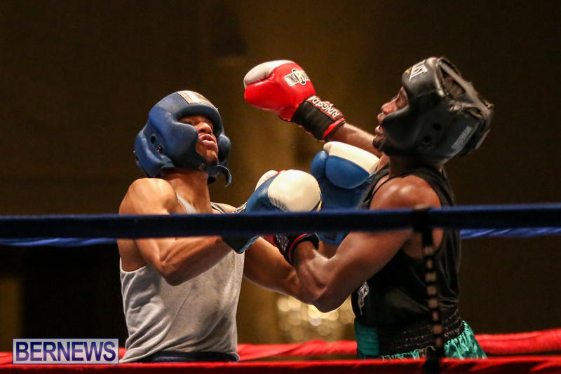Tyler Christopher vs Kaya Simmons Boxing Bermuda, November 7 2015 (14)