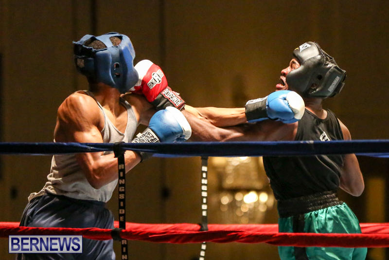 Tyler Christopher vs Kaya Simmons Boxing Bermuda, November 7 2015 (15)