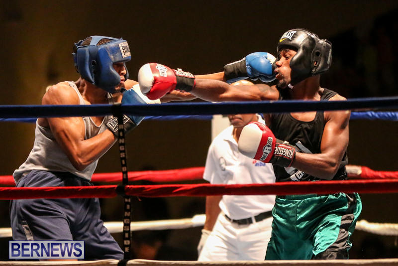 Tyler Christopher vs Kaya Simmons Boxing Bermuda, November 7 2015 (4)