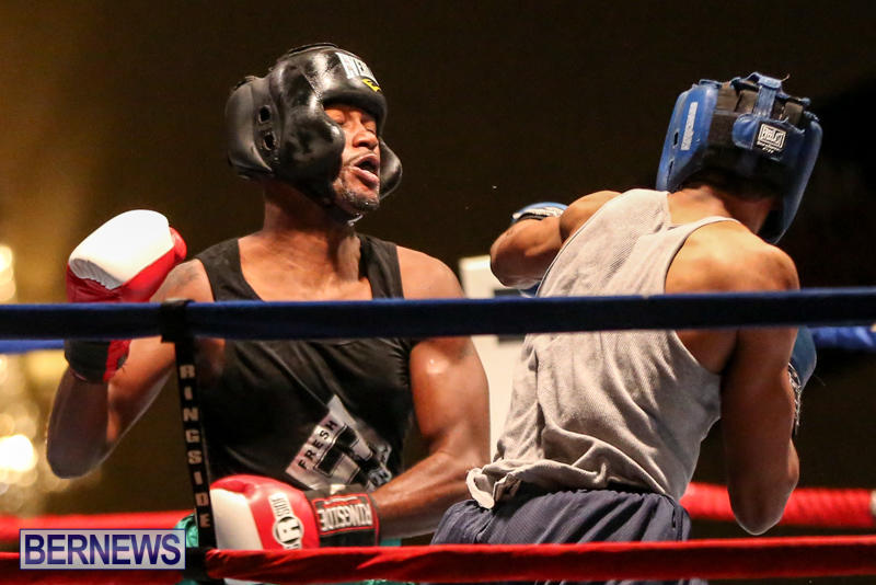 Tyler Christopher vs Kaya Simmons Boxing Bermuda, November 7 2015 (5)