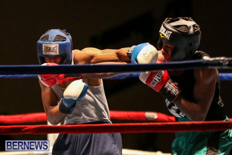 Tyler Christopher vs Kaya Simmons Boxing Bermuda, November 7 2015 (8)
