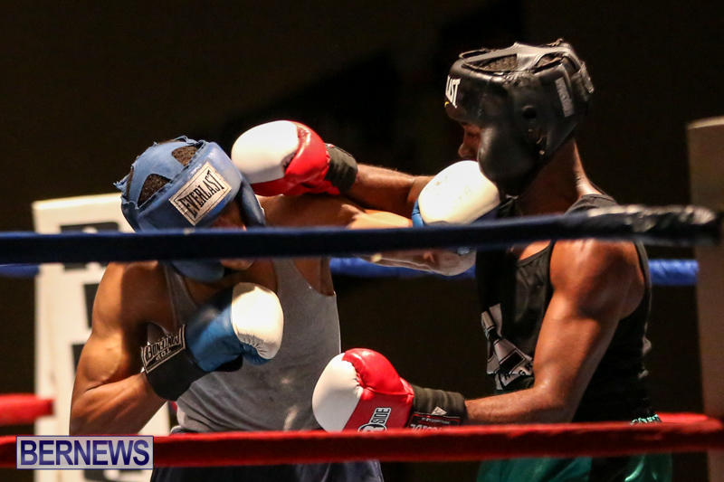 Tyler Christopher vs Kaya Simmons Boxing Bermuda, November 7 2015 (9)