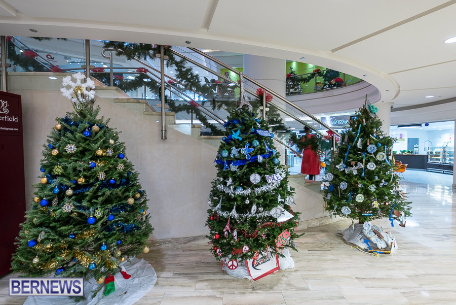 2015-Bermuda-Christmas-Trees-in-Mall-JM-1