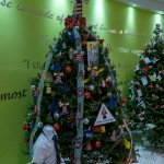 2015 Bermuda Christmas Trees in  Mall JM (10)
