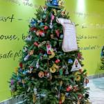 2015 Bermuda Christmas Trees in  Mall JM (16)