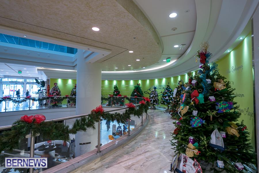 2015-Bermuda-Christmas-Trees-in-Mall-JM-6