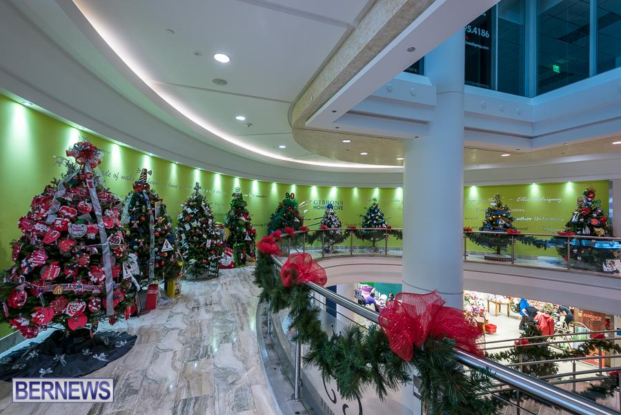 2015-Bermuda-Christmas-Trees-in-Mall-JM-8