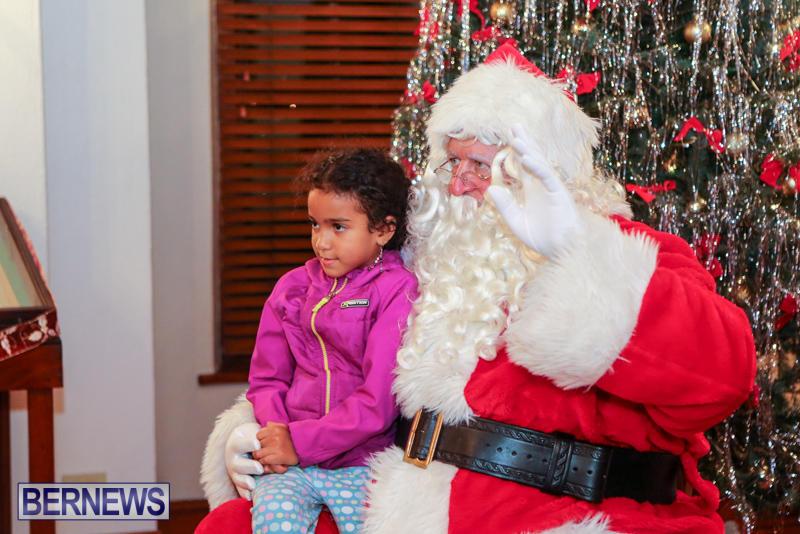 Santa-Claus-In-St-Georges-Bermuda-December-5-2015-10