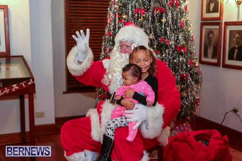 Santa-Claus-In-St-Georges-Bermuda-December-5-2015-12