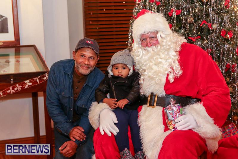 Santa-Claus-In-St-Georges-Bermuda-December-5-2015-16