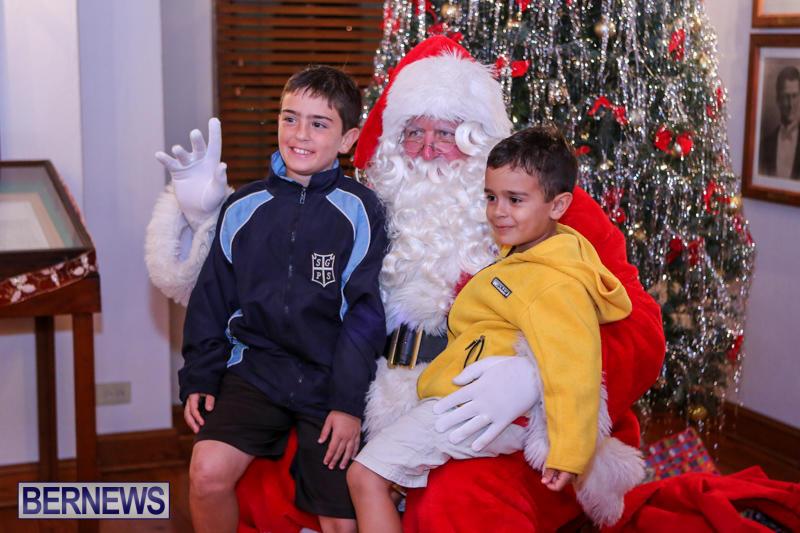 Santa-Claus-In-St-Georges-Bermuda-December-5-2015-19