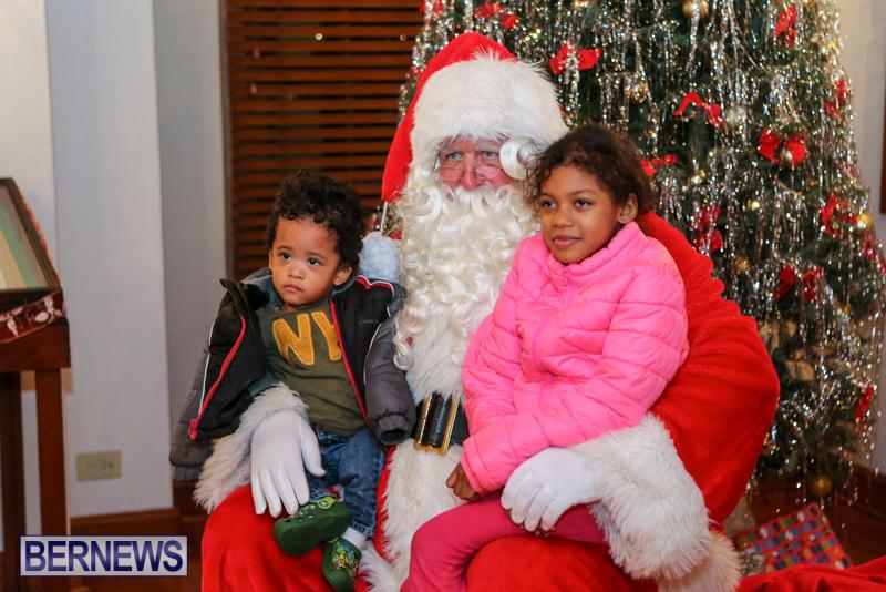 Santa-Claus-In-St-Georges-Bermuda-December-5-2015-21