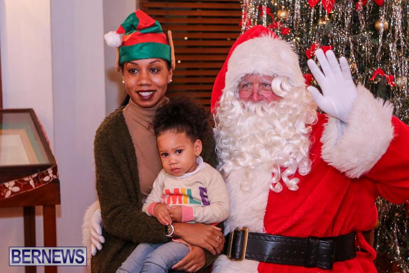 Santa-Claus-In-St-Georges-Bermuda-December-5-2015-32