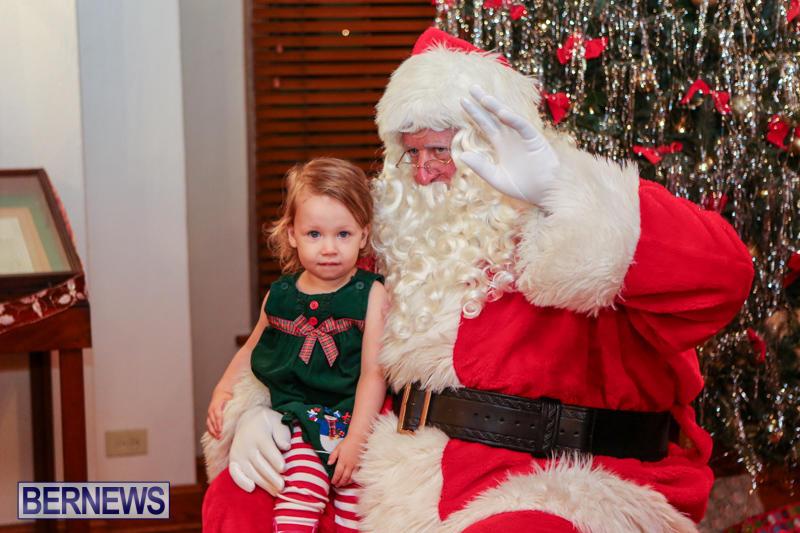 Santa-Claus-In-St-Georges-Bermuda-December-5-2015-4