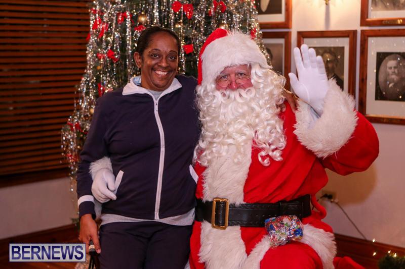Santa-Claus-In-St-Georges-Bermuda-December-5-2015-51