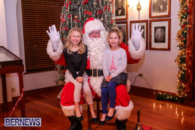 Santa-Claus-In-St-Georges-Bermuda-December-5-2015-59