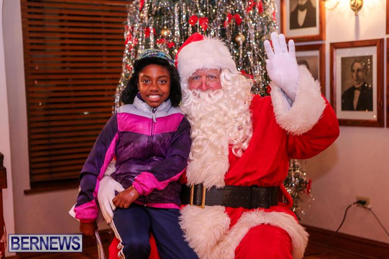 Santa-Claus-In-St-Georges-Bermuda-December-5-2015-62