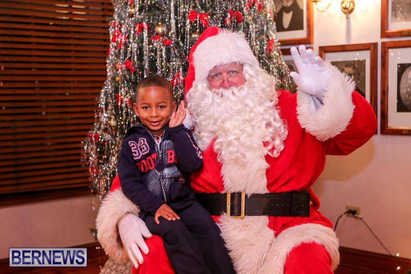 Santa-Claus-In-St-Georges-Bermuda-December-5-2015-66