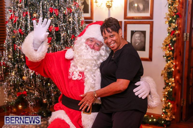 Santa-Claus-In-St-Georges-Bermuda-December-5-2015-68